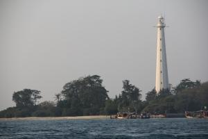 Mercusuar jaman Belanda di Pulau Damar